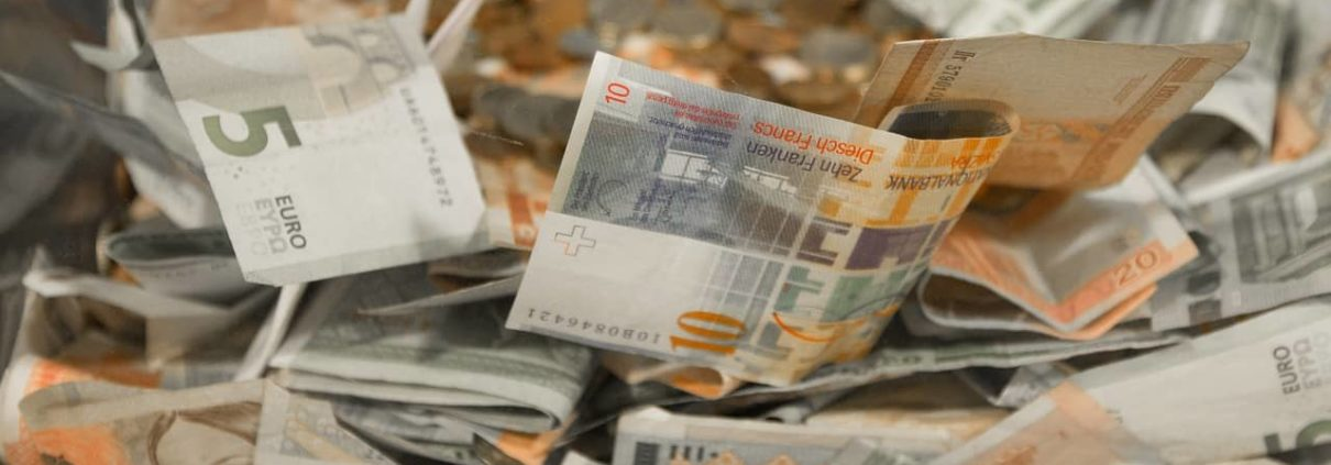 image of a pile of euro notes for commercial mortgage